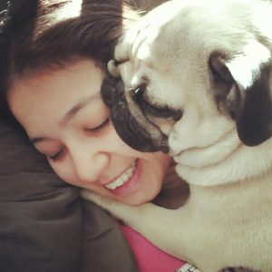 cómo abrazar a un perro